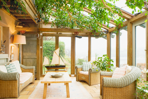 Oak sunroom with ivy